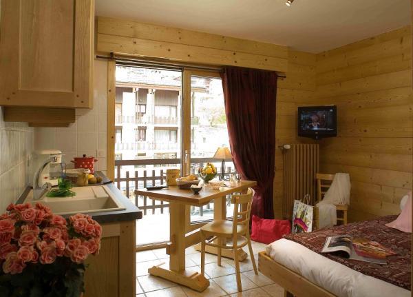 Hotel Pictures: Studio Danay, Le Grand-Bornand