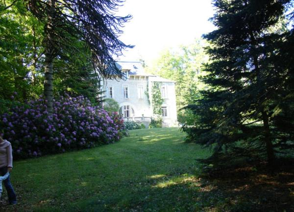 Hotel Pictures: Domaine du Lampy-Neuf, Saissac