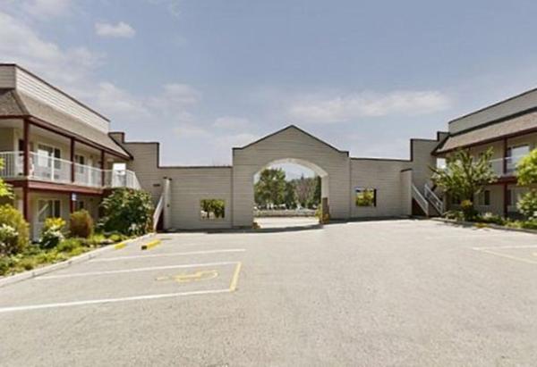 Hotel Pictures: Canada's Best Value Princeton Inn & Suites, Princeton