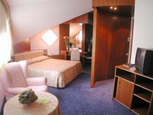 Suite (3 Adults)