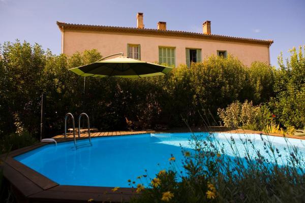 Hotel Pictures: A l'ombre du clocher, Calenzana