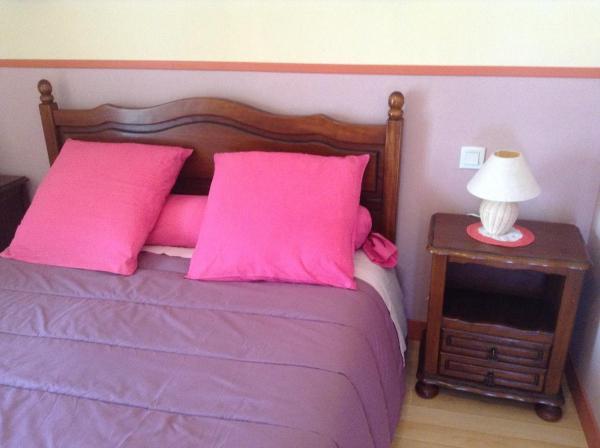 Hotel Pictures: Chambres d'hôtes Le Vaujual, Saint-Pierre-de-Plesguen