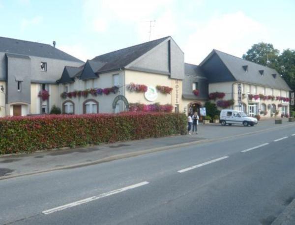 Hotel Pictures: Hotel Restaurant La Grenouillère, Vitré
