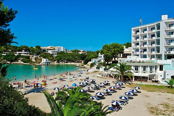 Hotel Pictures: Hotel Playa Santandria - Adults Only, Cala Santandria