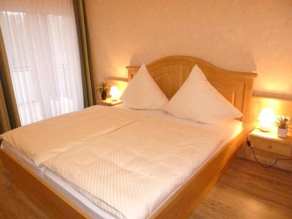 Hotel Pictures: Landgasthaus Zum Steinernen Mann, Ulmet