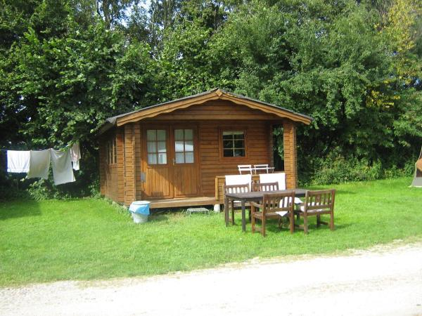 Hotel Pictures: Hjemstavnsgårdens Camping & Cottages, Glamsbjerg