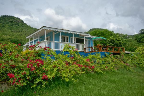 Hotel Pictures: Firefly Cottage, Roseau