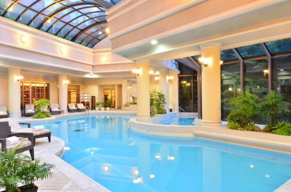 Premier Classic King Room with Garden View and Spa Access - Non-Smoking