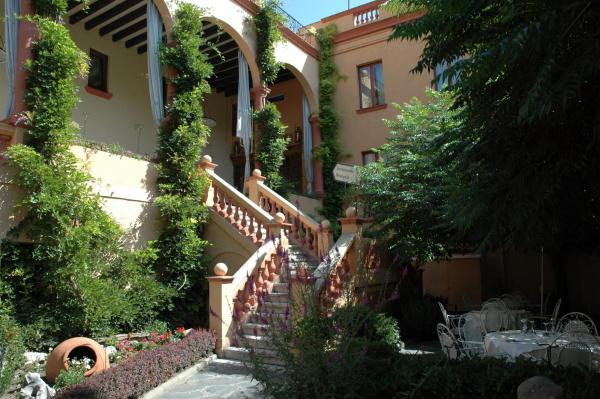 Hotel Pictures: Andria, La Seu dUrgell