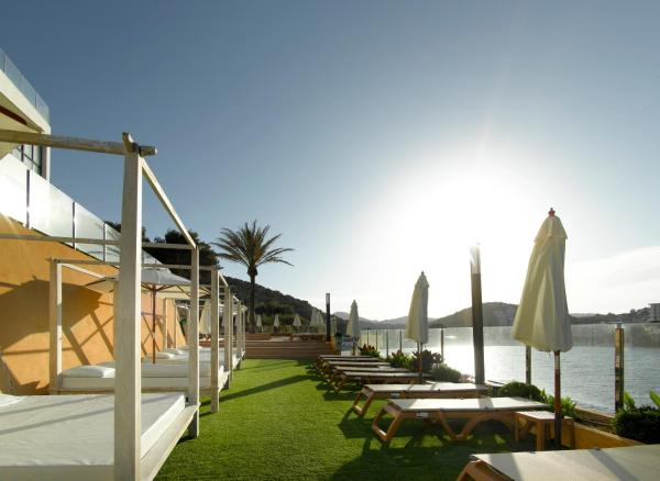 Hotel Pictures: Palladium Hotel Cala Llonga - Adults Only, Cala Llonga