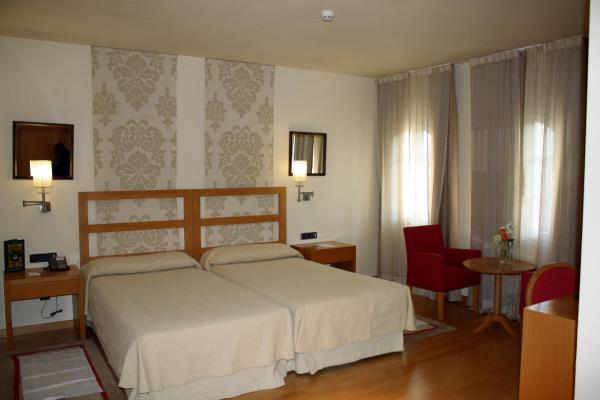 Special Offer - Double or Twin Room with Extra Bed (3 Adults)