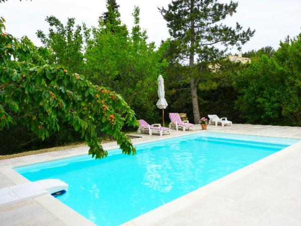 Hotel Pictures: La Villa Charlottine, Pujaut