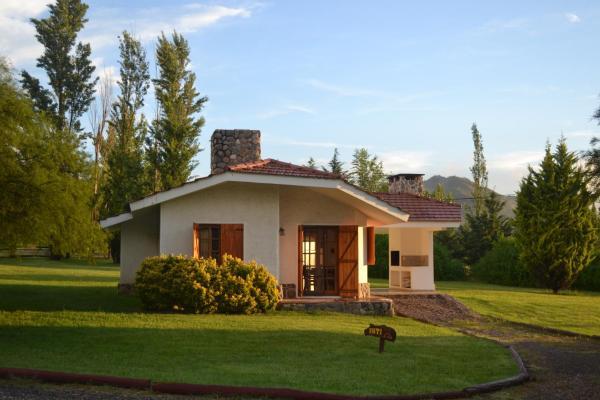Fotografie hotelů: Cabañas los Algarrobos, Villa General Belgrano