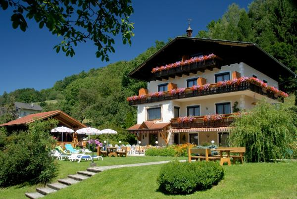 Hotel Pictures: Karlsdorfer Hof, Seeboden