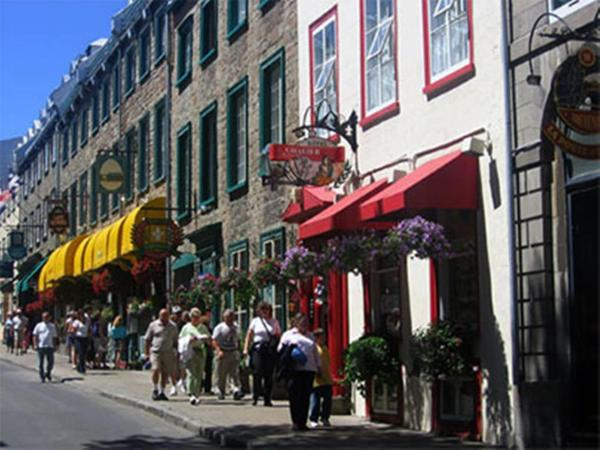 Hotel Pictures: Hotel Le Cavalier Du Moulin, Quebec City