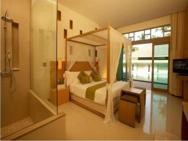 Deluxe Double Room with Pool Access (3 Adults)