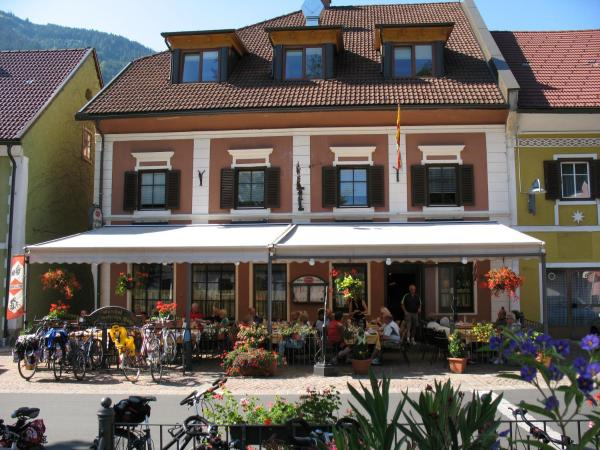 Fotos de l'hotel: Gasthof zum Goldenen Rössl, Sachsenburg