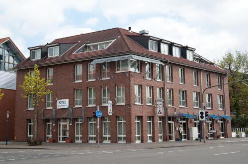 Hotel Pictures: Hotel Zum Deutschen Eck, Meerbusch