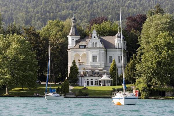 酒店图片: Dermuth Hotels – Parkvilla Wörth, 沃尔特湖畔佩莎赫