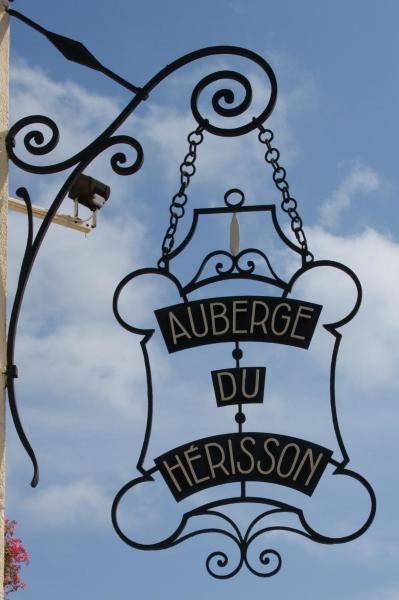 Hotel Pictures: , La Chaux-du-Dombief