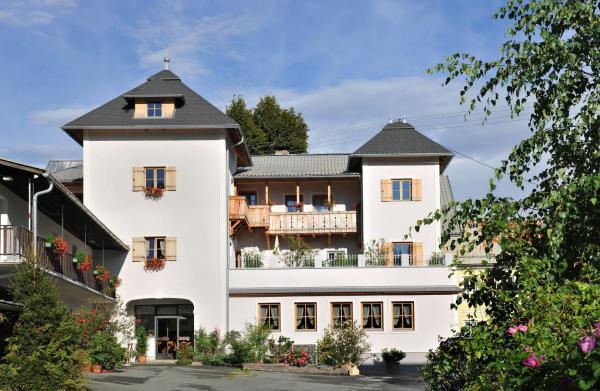 Hotel Pictures: Mitschighof - Heidis-Welt Pension, Mitschig, Hermagor
