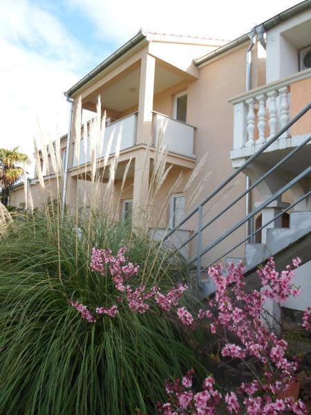 Hotel Pictures: Apartments Golić, Biograd na Moru