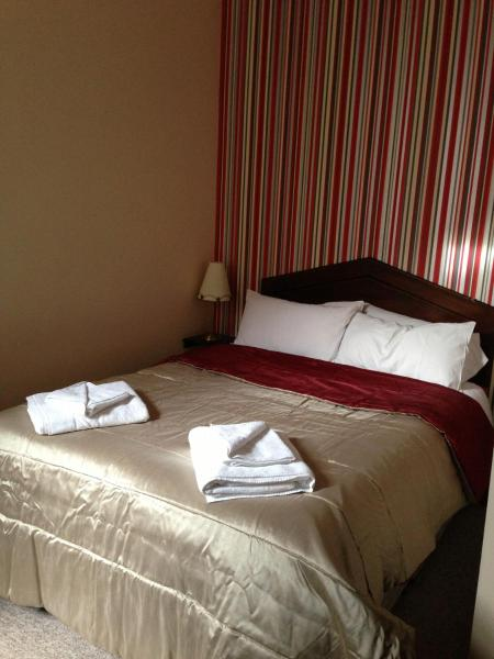 Hotel Pictures: Ambrose Hotel, Barrow in Furness