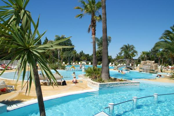 Hotel Pictures: Le Camping les Champs Blancs, Agde