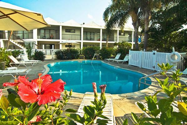 Photos de l'hôtel: Beachcomber Beach Resort & Hotel, St. Pete Beach
