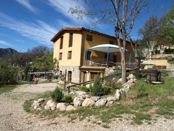 Hotel Pictures: Alberg Torre del Baró, Sant Llorenc de Morunys