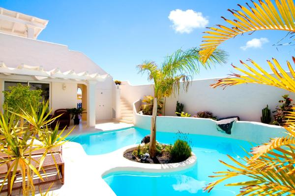 Classic Villa (From 1 to 2 Persons)