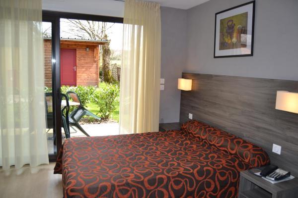 Hotel Pictures: Hotel Restaurant Le Relais des Cinq Routes, Parnac