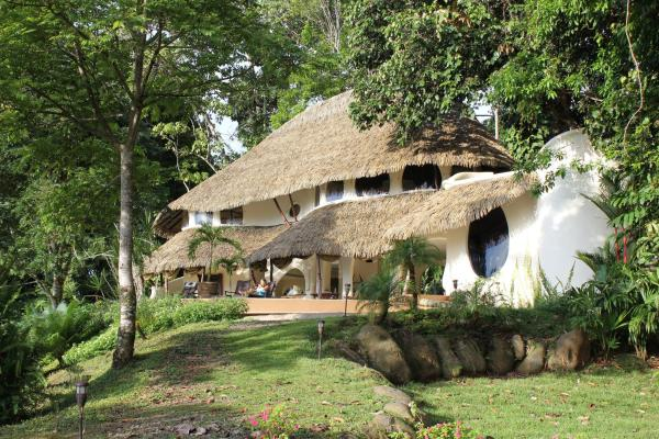 Hotel Pictures: Las Nubes Natural Energy Resort, Matapalo