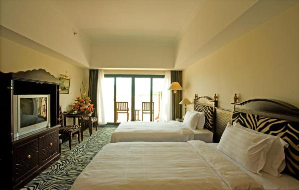 Deluxe Twin Room with Courtyard View