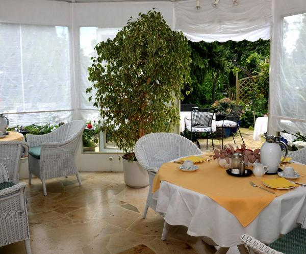 Hotel Pictures: Hotel Ebnet Garni, Lindau