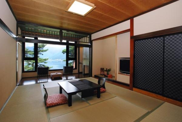 Japanese-Style Triple Room with Lake view - Non-Smoking