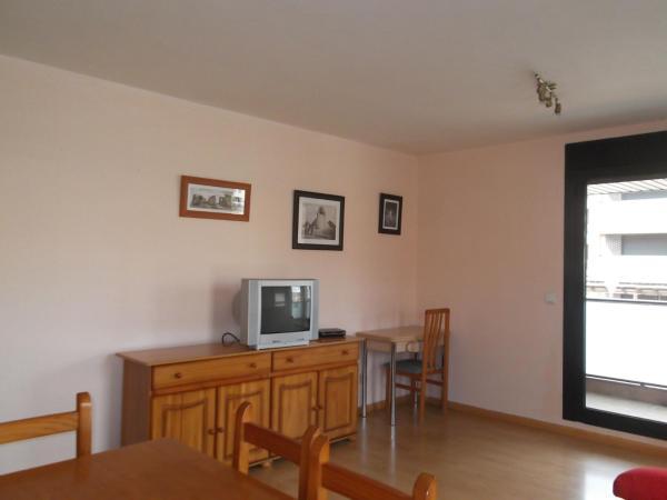 Two-Bedroom Apartment - Pedro Rui Monte