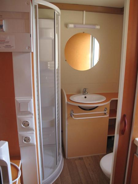 Two-Bedroom Mobile Home (5 Adults)