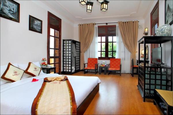 Deluxe Double or Twin Room with Pool / Garden View