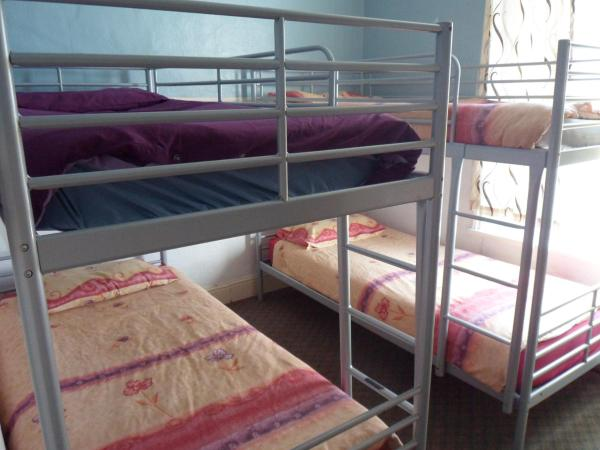 Bunk Bed in Dormitory Room (4 Adults)