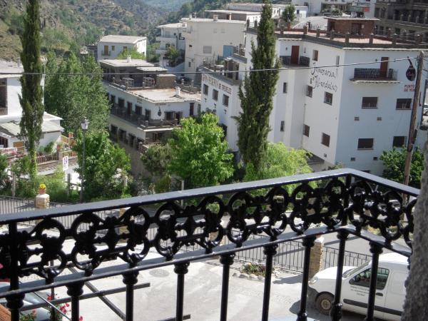 Hotel Pictures: Casa Rosa, Trevélez