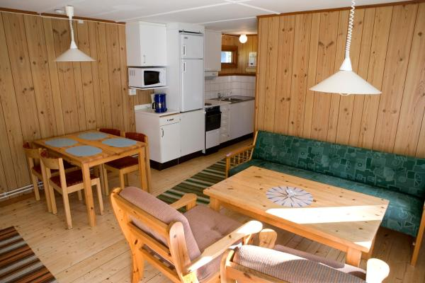 Small Cottage (5 Adults)