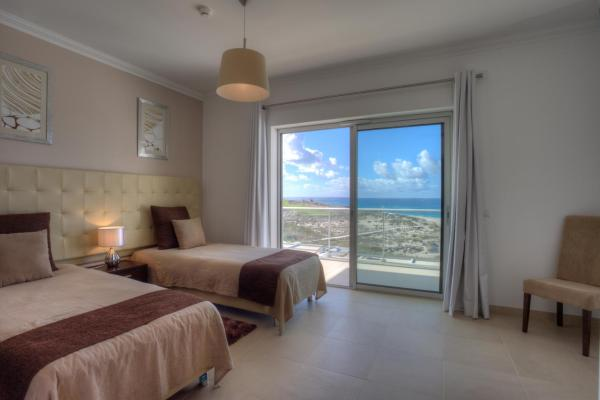 Three-Bedroom Townhouse with Sea View