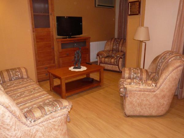 Hotel Pictures: Apartamento Turistico Guara Casa Castro, Barbastro