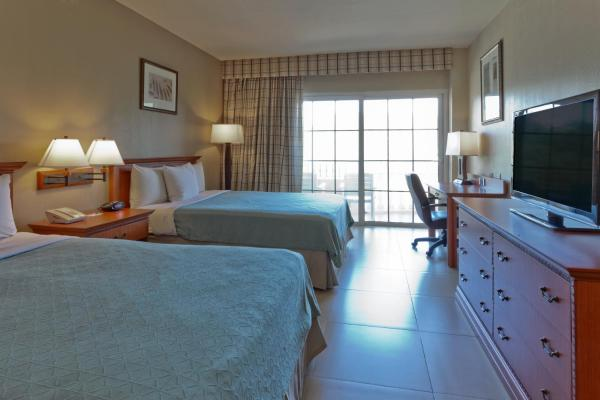 Queen Room with Two Queen Beds and Garden View