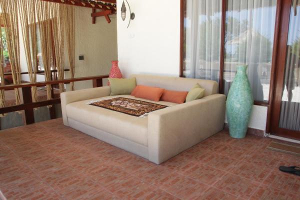 Tripleshare Beachfront Suite