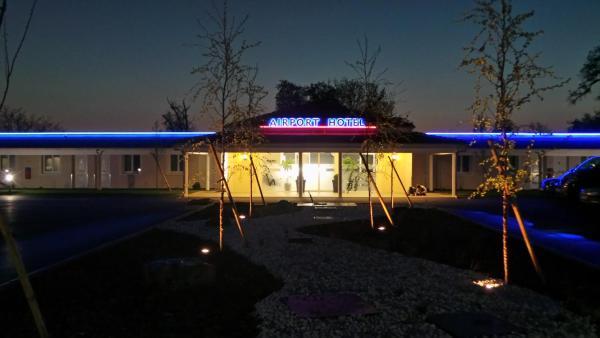 Hotel Pictures: balladins Roissy Airport-Hotel, Mauregard