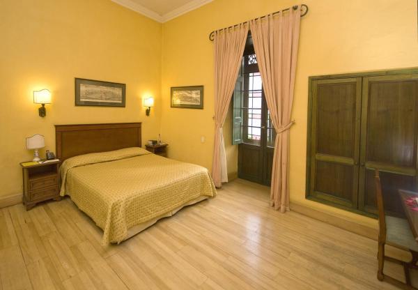 Colonial Junior Suite