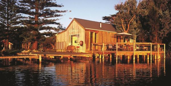 Boathouse One-Bedroom Cottage with River View