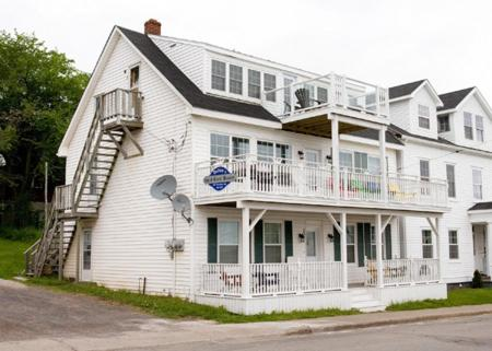 Hotel Pictures: Dolan's Silver, Pictou